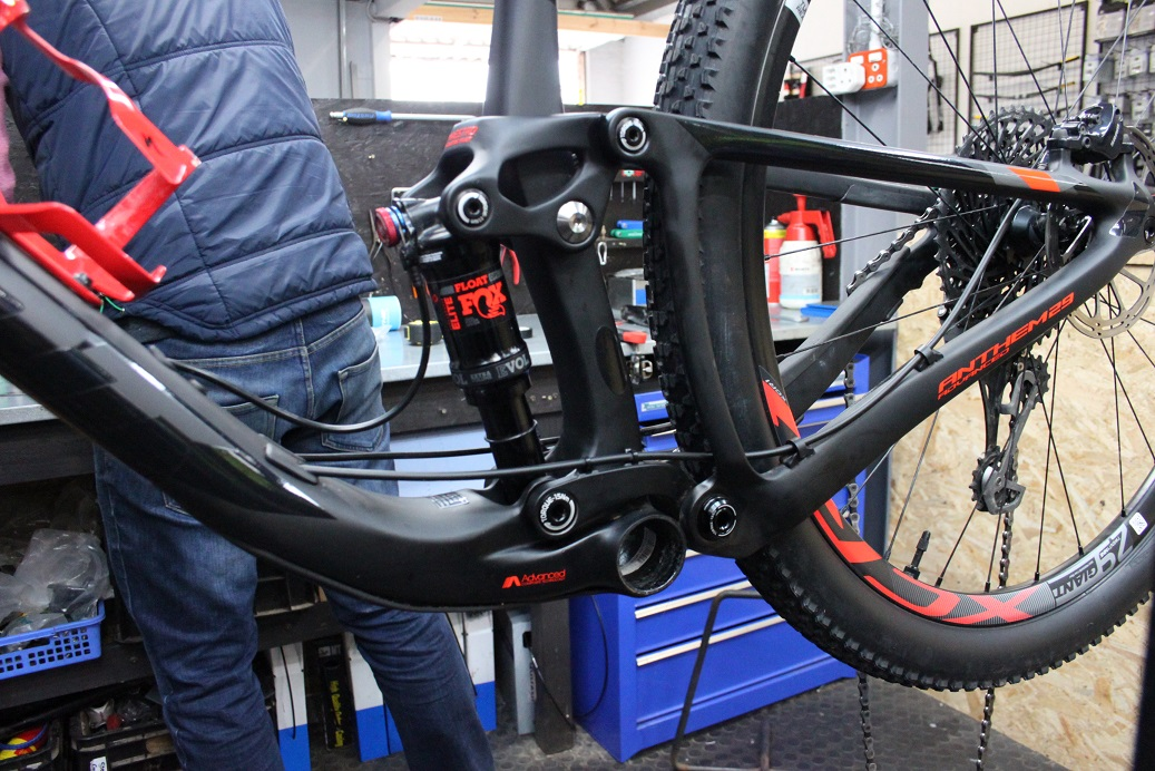 How to fit a dropper seat post - Full Sus